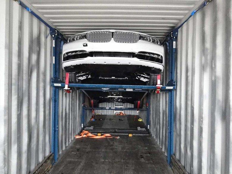 DL-RAK Vs R-RAK – Which Car Storage Rack System Do You Need?