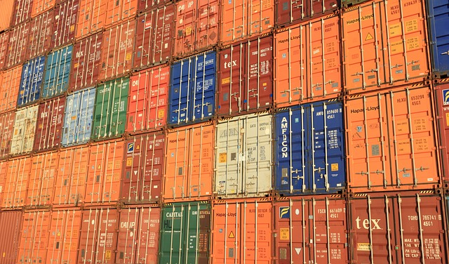 5 Ways That Steel Racking Improves The Safety Of Cars Inside Containers