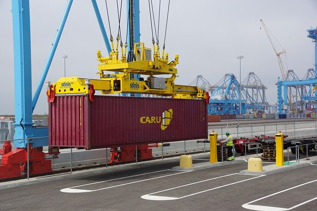 Can You Drive Cars Into A Shipping Container When Using An R-Rak?
