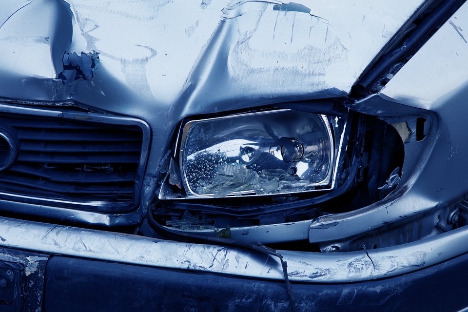 Shipping Damaged Cars: How to Save Cars Involved in Accidents